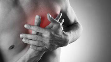 Durch diese Zeichen warnt Sie Ihr Körper vor einem Herzinfarkt